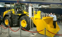 Komatsu boost fuel efficiency with its WA475-10 wheel loader